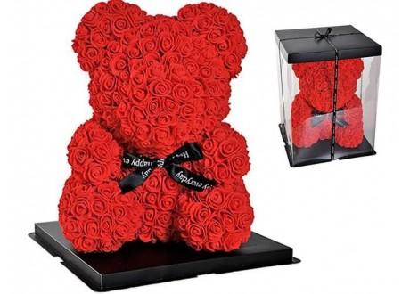 Miś kwiatowy z czerwonych róż